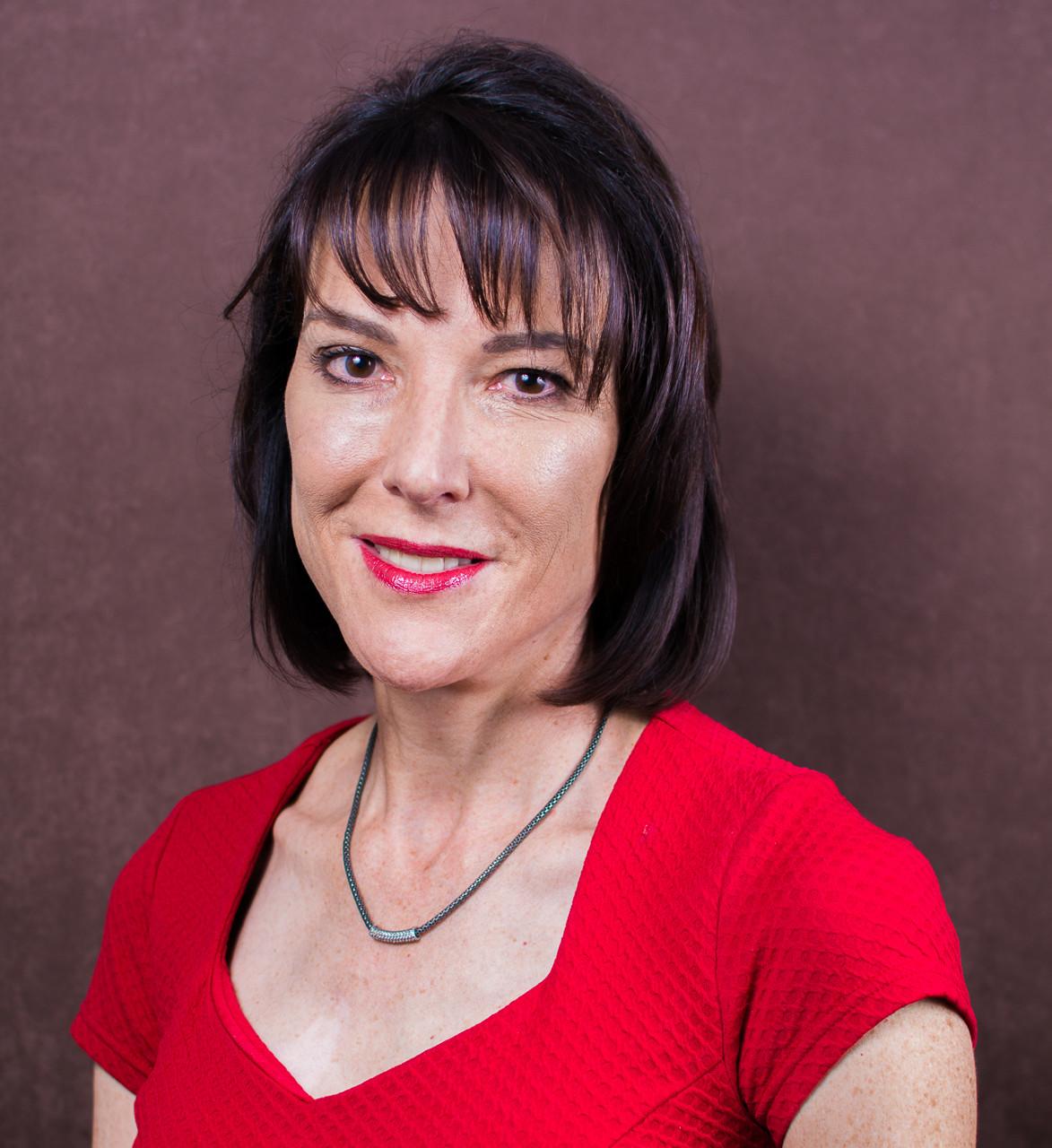 Dr Lynette Venter
